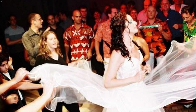 בטוקדה ברחבת הריקודים