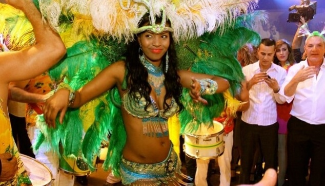 להקה ברזילאית לחתונה טיפ טיפה שונה..