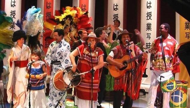 להקת מורנגו עושה שמח