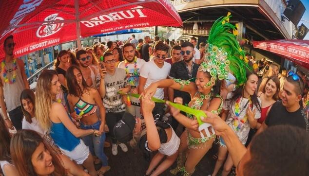 מסיבה ברזילאית במועדון