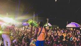 מתופפים במסיבה ברזילאית