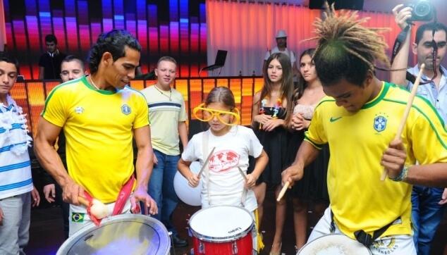 מתופפים ברזילאים לאירועים