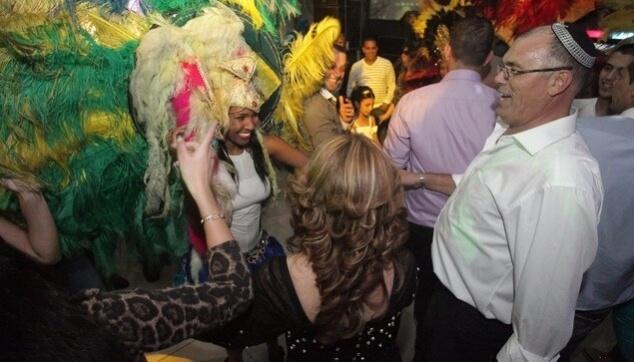 ריקוד ברזילאי מקפיץ בחתונה