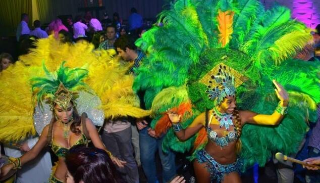 רקדניות ברזילאיות בקצב סמבה
