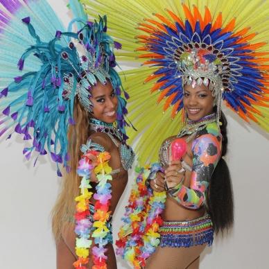 רקדניות ברזילאיות לאירוע