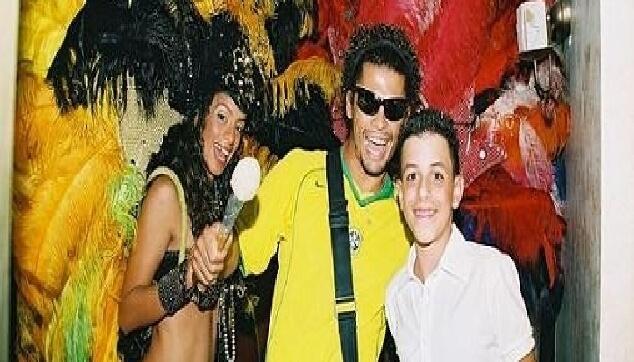 רקדניות ברזילאיות לבר מצווה