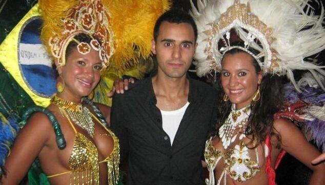 רקדניות ברזילאיות עם עידן יניב