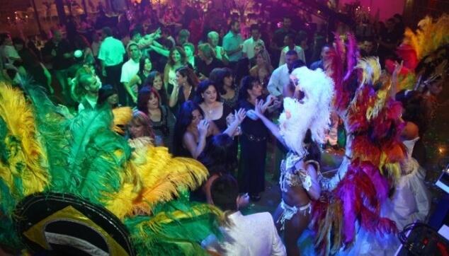 רקדניות ורקדנים ברזילאים