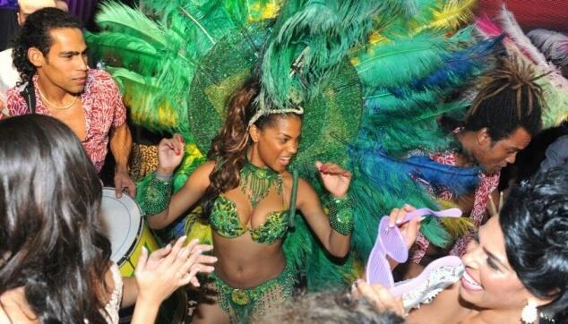 רקדנית ברזילאית לכל אירוע