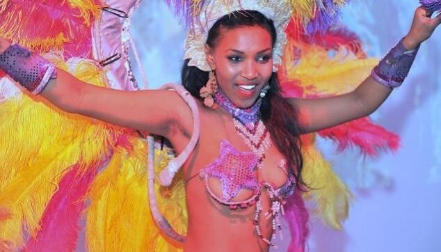 רקדנית ברזילאית למסיבת רווקות